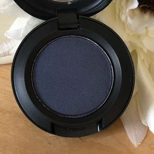 MAC Eyeshadow * Deep Shade